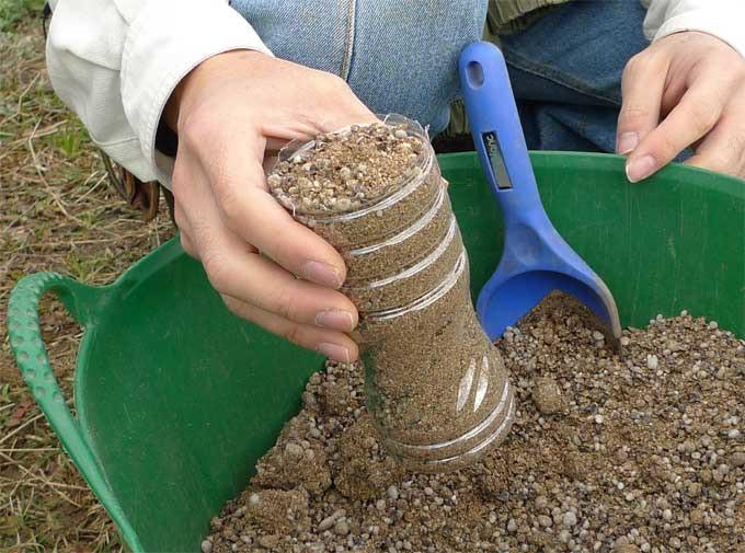 ペットボトル1杯の微生物肥料